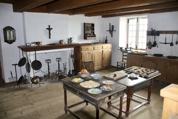 kitchen display of equipment from the 1700's